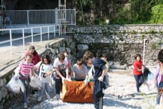 Giornate di pulizia, via le cicche dalle spiagge