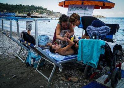 Mare per tutti, immersioni per disabili nel Goflo di Napoli